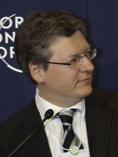 Laszlo Andor Bild: World Economic Forum / Photo by Youssef Meftah / wikipedia.org
