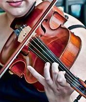 Geige: Virtuosität braucht lange Übungsstunden. Bild: Flickr Creative Commons/Bob Jagendorf
