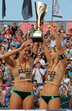 Laura Ludwig und Kira Walkenhorst auf einem Archivbild Bild: ExtremNews - Karl Koch
