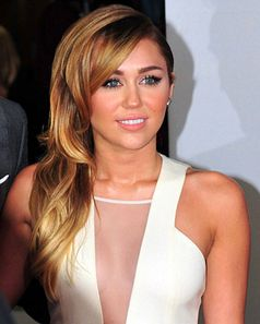 Miley Cyrus bei den People's Choice Awards (2012)