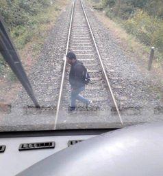 Mann auf Gleisen bei Hettenhausen zwingt Zug zur Schnellbremsung; Bild: Bundespolizei