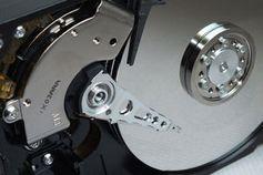 Festplatte: neuer Ansatz macht mehr Platz. Bild:  Th. Reinhardt, pixelio.de