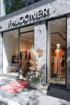 """Der neue Falconeri Store / Strick-Spezialist eröffnet Stores in Düsseldorf und Frankfurt.  Bild: """"obs/Falconeri"""""""