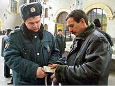 Dokumenten Kontrolle von der russischen Polizei.