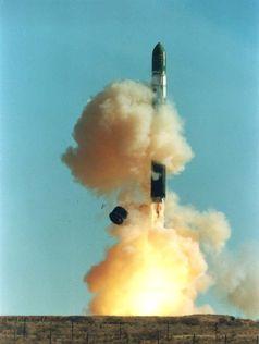Start einer Dnepr-Rakete, einer demilitarisierten R-36MUTTCh (SS-18 mod 4)