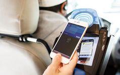 Mobiles Zahlen im Taxi: Viele nutzen App-Möglichkeiten nicht. Bild: visa.com