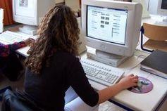 PC-Unterricht: Schulen überwachen Aktivitäten. Bild: Manfred Jahreis/pixelio.de