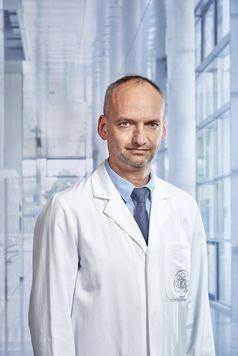 "Prof. Armin Imhof vom Uniklinikum Ulm im Experten-Podcast ""Klartext Corona"" Bild: ""obs/Wort & Bild Verlag - Verlagsmeldungen/Universitätsklinikum Ulm"""