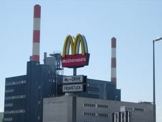 McDonald's: Unternehmen will wieder mehr Umsatz. Bild: pixelio.de, Rewolve44