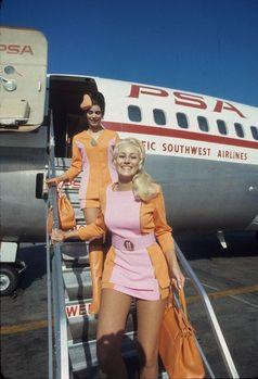 Stewardess/Flugbegleiterinnen (Symbolbild)