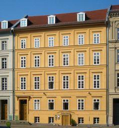 Angela Merkels Wohnhaus in Am Kupfergraben 6, 10117 Berlin