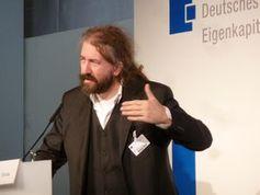 Michael Grote erklärt Wandel der Börsen. Bild: fotodienst.at/Wilfried Seywald