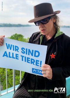 """Panikrocker mit großem Herz: Udo Lindenberg setzt sich gemeinsam mit PETA für die Rechte aller Tiere ein. Bild: """"obs/PETA Deutschland e.V./Julia Spiegel für PETA"""""""