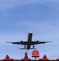Flugzeug beim Start: lässt den Puls steigen. Bild: pixelio.de, Dieter Hopf