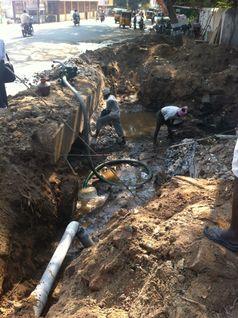 Leckage im Versorgungsnetz in Tiruvannamalai Quelle: Foto: Weil (idw)