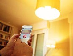 Einfach ausspioniert: Smarte Glühbirnen sind ein großes Risiko.