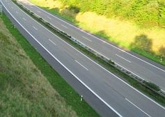 Leere Autobahn: Mobilität stark im Wandel, zeigen Experten. Bild: pixelio/Heike
