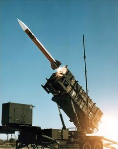 Start eines Patriot-Lenkflugkörpers (auf Startgerät US-Version)