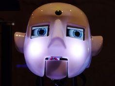 Roboterkopf: Viele setzen eher auf KI. Bild: Dieter Schütz, pixelio.de
