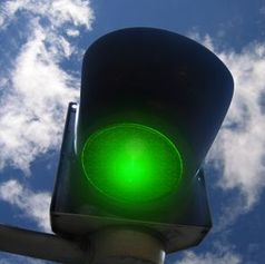 Grünes Licht: mit App alltäglich. Bild: pixelio.de, G. Altmann