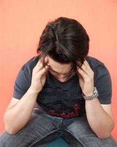 Migräne ist weitverbreitet und schmerzhaft. Bild: pixelio.de, Uta Herbert