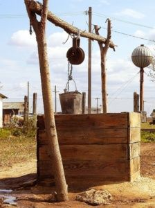 Trinkwasser ist in vielen Regionen ein kostbares Gut. Bild: pixelio.de/Nitschke