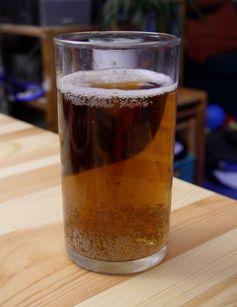 Ein Glas Fassbrause
