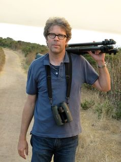 Autor Jonathan Franzen bei einer seiner Lieblingsbeschäftigungen: Der Vogelbeobachtung, Bild: CABS/Franzen