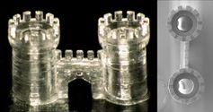 Winzige Details einer Glas-Burg aus dem 3D-Drucker. Bild: kit.edu