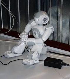 Sitzender Roboter: bald fähig für komplexe Aufgaben (Foto: pixelio.de, Schütz)