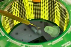 Forscher-Test mit einem Moskito in der Flugkammer. Bild: vt.edu, Kiley Riffell