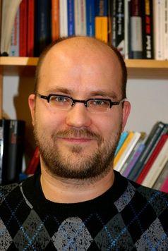 """""""Cyberbullying ist keine Lappalie"""", sagt Peter Sitzer von der Universität Bielefeld. Seine Kolleginnen und er haben untersucht, welche Erfahrungen Jugendliche mit Übergriffen über Internet oder per Handy haben. Quelle: Foto: Universität Bielefeld (idw)"""