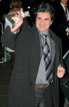 Panahi mit seinem gewonnenen Silbernen Bären für Offside (2006)