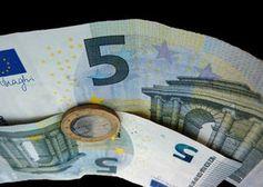 Geld: Umgang problematisch in Beziehungen. Bild: pixelio.de/Lupo
