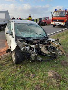 Verkehrsunfall in Zetel - 19-Jähriger schwer verletzt Bild: Polizei