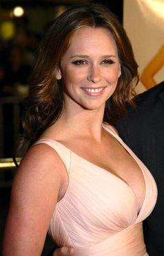 Jennifer Love Hewitt Nude Photos &