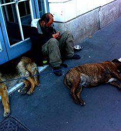 Obdachlos: In Deutschland fehlt es an Sozialimmobilien. Bild: flickr.com, pazca