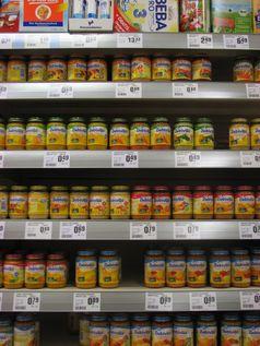 Babynahrung im Supermarkt