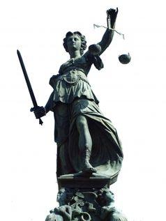 Gerechtigkeit ist Deutschen wichtiger als Freiheit. Justiza ohne Augenbinde - sehend was sie und was andere tun! (Symbolbild)