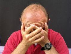 Mann: Gehirn leidet unter Geldsorgen.
