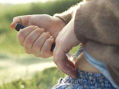 Spritze: Diabetes auf dem Vormarsch. Bild: pixelio.de, Henrik Gerold Vogel