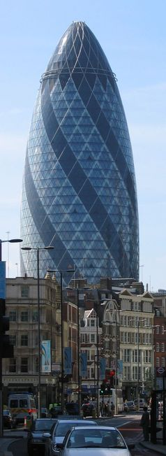 Swiss Re  Unternehmenssitz in der Londoner Innenstadt