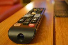 Fernbedienung: TV-Unternehmen rüsten auf. Bild: Deborah Weber, pixelio.de
