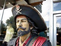 Pirat: Filesharer kaufen mehr Musik als angenommen. Bild: flickr.com/fuzzcat