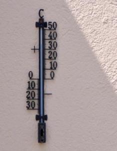 Viele Arbeitnehmer kämpfen mit Hitze. Foto: pixelio.de, Kurt Michel