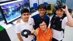 Spaß beim Testen: die Forscher und ihr neues VR-Game (Foto: nus.edu.sg)