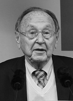 Hans-Dietrich Genscher (2013) Bild: Gge - Eigenes Werk, CC BY-SA 3.0, https://commons.wikimedia.org/w/index.php?curid=28425578