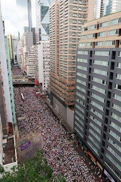 Proteste am 9. Juni 2019 in der Hennessy Road (Wan Chai) – Hongkong