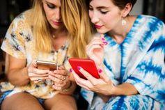 Tinder-Nutzung: Dating-App meldet hohe Aktivität.