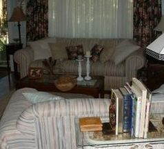 Wohnzimmer: Bald unter Beobachtung. Bild: pixelio.de, olga meier-sander